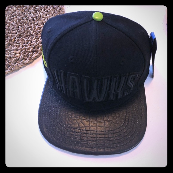 Other - NWT men's Atlanta Hawks Leather Hat